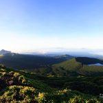 朝の霧島連山
